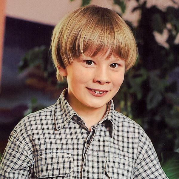 Божен. 8 лет «У такого ребенка все получается, и он помогает всем».