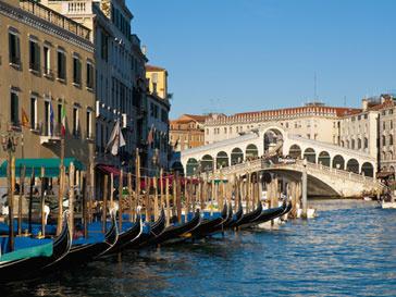 Анна Титова поедет на венецианское биеннале