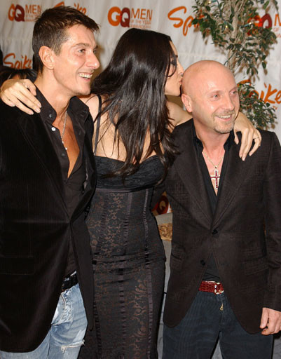 Моника Белуччи (Monica Bellucci) с Доменико Дольче (Domenico Dolce) и Стефано Габбана (Stefano Gabbana)