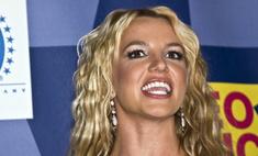 Отец Бритни Спирс запретил ей ходить без бюстгальтера