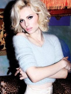 В одном из журналов Андрей Пежич (Andrej Pejic) предстал в образе Мэрилин Монро