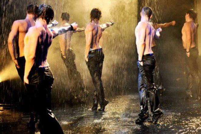 шоу под дождем в Перми