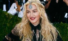 Мадонна обнажила ягодицы из-за политики