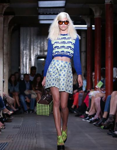 Неделя моды в Лондоне: Moschino Cheap And Chic, весна-лето 2013