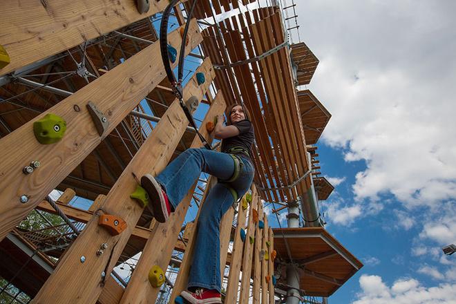 Высотный веревочный парк на ВДНХ фото