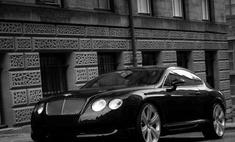 Депутат Госдумы въехал на Bentley в патрульную машину