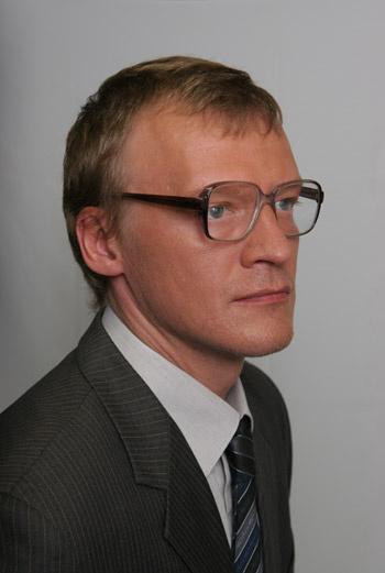 Фильм основан на реальных событиях. Безусловно, прототипом Мамонтова является Сергей Мавроди, но не стоит искать в картине портретного и биографического сходства.