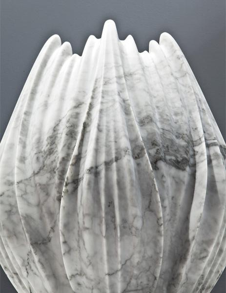 Мраморные вазы и столы от Захи Хадид   галерея [1] фото [7]