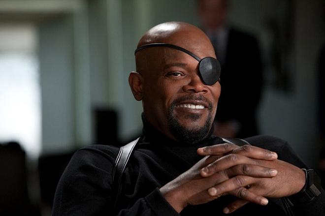Ник Фьюри – здоровый негр-водитель с повязкой на глазу – в исполнении Сэмюэла Л. Джексона появляется в фильме всего несколько незабываемых раз.