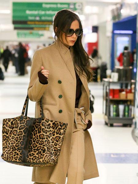 Виктория Бекхэм в аэропорту