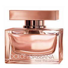 Rose the one от Dolce&Gabbana – ода вечной романтике. Композиция завлекает флиртом грейпфрута, мандарина и черной смородины. В сердце – букет пионов, лилий, личи и, конечно, болгарской розы. В шлейфе – чувственная ваниль.