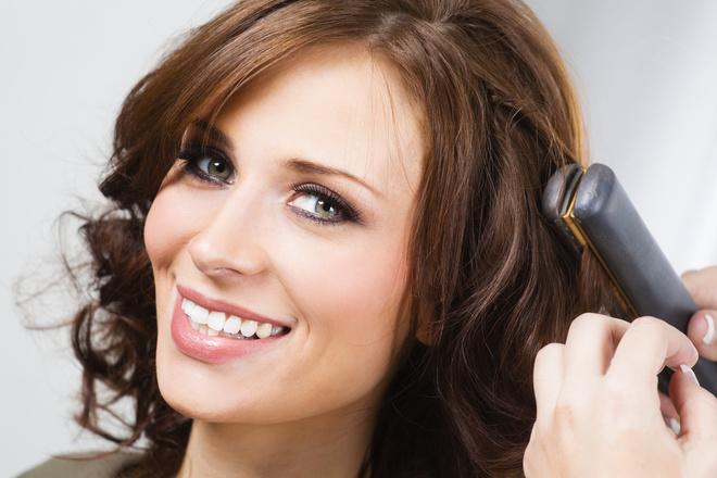 как накручивать волосы на выпрямитель