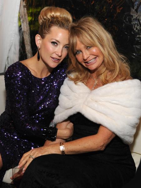 Кейт Хадсон трогательно поздравила маму Голди Хоун