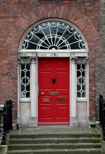 Разноцветные двери — визитная карточка Дублина.