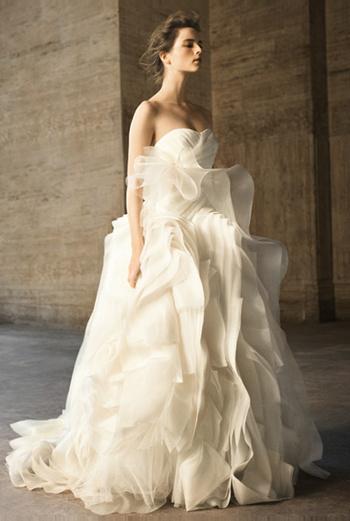 Воздушное платье из коллекции Vera Wong весна-2010.