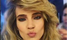 Глюк'oZa научила поклонниц делать новогодний макияж