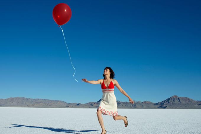 Девушка с воздушным шариком