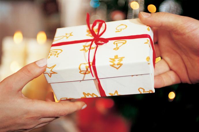 Что подарить друзьям на новый год сделанное