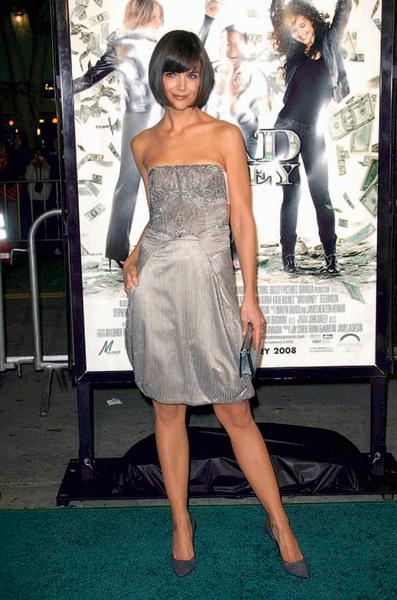 Кэти Холмс в Giorgio Armani.