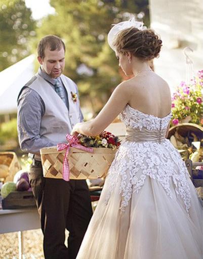 Свадебная фотосессия на фермерском рынке