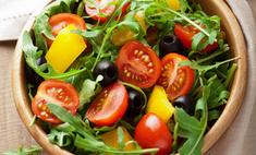Овощной салат со свежими травами