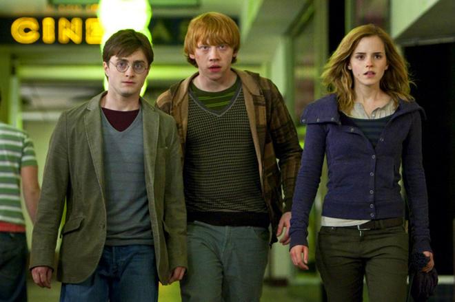 Повзрослевший Гарри и его друзья возвращаются на экраны!