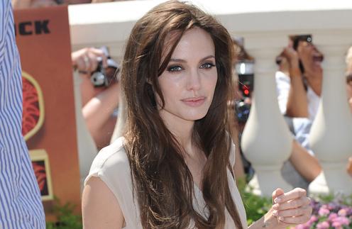 Анджелина Джоли нередко выглядит уставшей.