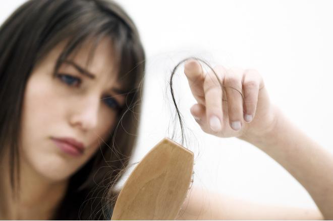 выпадают волосы на макушке