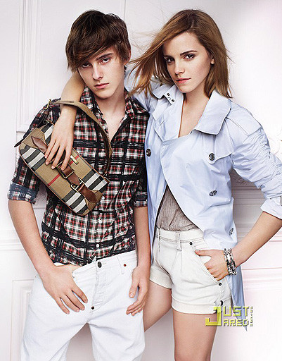 Эмма Уотсон (Emma Watson) - жертва фотошопа