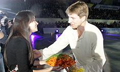 Поклонница в Ростове угостила Ягудина раками
