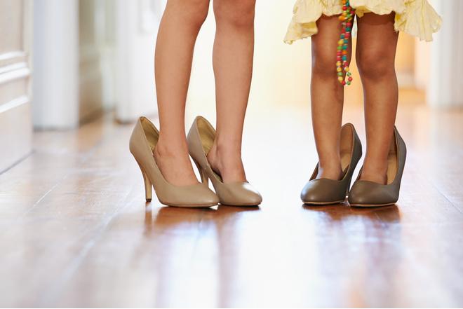 Ходить во сне без обуви в носках