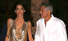 Жена Джорджа Клуни сверкнула нижним бельем