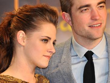 Роберта Паттинсона (Robert Pattinson) и Кристен Стюарт (Kristen Stewart)