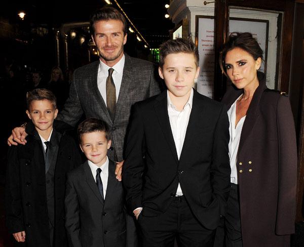 Виктория Бекхэм, ее муж и дети - самая стильная семья