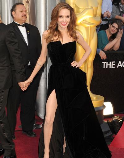 """Анджелина Джоли (Angelina Jolie) на """"Оскаре-2012"""""""