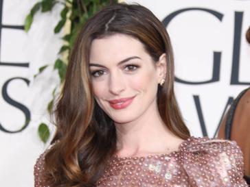 Энн Хэтэуэй (Anne Hathaway) станет Кошкой