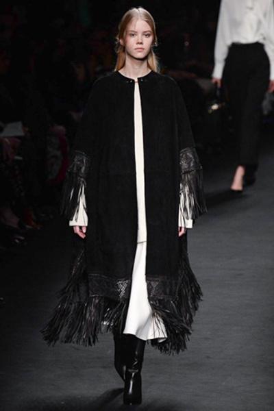 Неделя моды в Париже: показ Valentino ready-to-wear осень — зима 2015-2016 | галерея [1] фото [30]