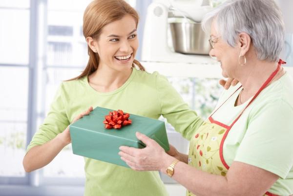 Подарок на юбилей мамы