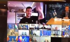 Голландский журналист подключился к тайному совещанию министров обороны Евросоюза (видео)