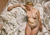 О чем говорит мне эта картина? «Стоящая на фоне тряпок» Люсьена Фрейда