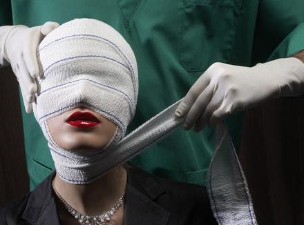 Истории людей, которые делали пластические операции