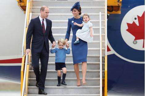 История любви Кейт Миддлтон и принца Уильяма в фотографиях   галерея [4] фото [4]