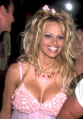 Памела Андерсон в 2000 году.