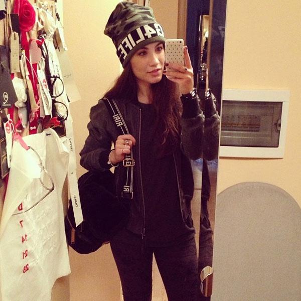 Виктория Дайнеко на шопинге