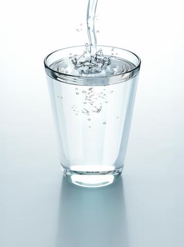 стакан горячей воды натощак