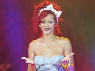 Рианну (Rihanna) осудили ее читатели