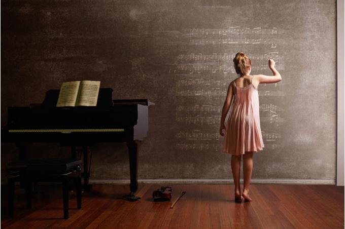 Девочка и пианино