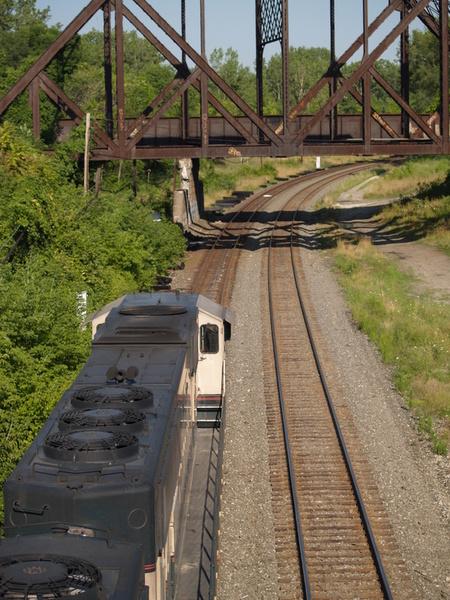 Труд укладчицы железнодорожного полотна опасен как для здоровья, так и для жизни