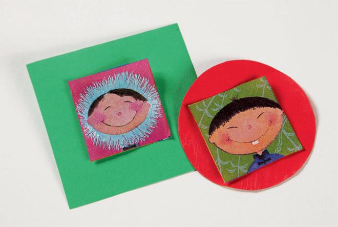 Из бумажных салфеток вырезают орнамент – улыбающиеся мордашки. Нацветной бумаге, используя карандаш и линейку, размечают различные геометрические фигуры (круги, квадраты). Затем ихвырезают.