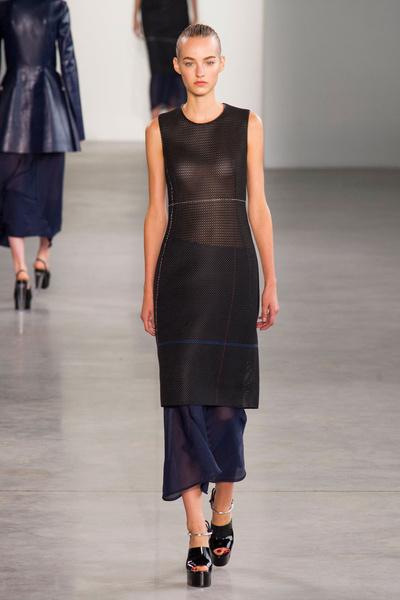 Показ Calvin Klein Collection на Неделе моды в Нью-ЙоркеПоказ Calvin Klein Collection на Неделе моды в Нью-Йорке